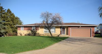 Iowa County Single Family Home For Sale: 311 Tower Ct