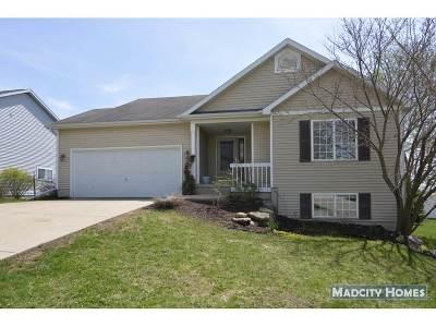 Mount Horeb Single Family Home For Sale: 512 Stonefield Way