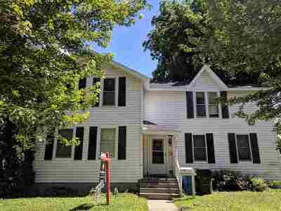 Columbia County Single Family Home For Sale: 208 E Pleasant St