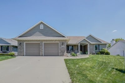 Waunakee Single Family Home For Sale: 1020 Ganser Dr
