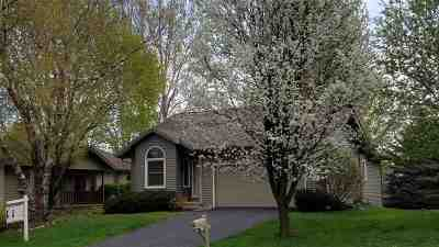 Deforest Single Family Home For Sale: 913 W Mohawk Tr