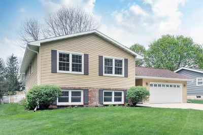 Madison Single Family Home For Sale: 222 Windsor Ct