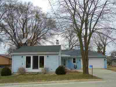 Jefferson County Single Family Home For Sale: W9192 Hwy 106