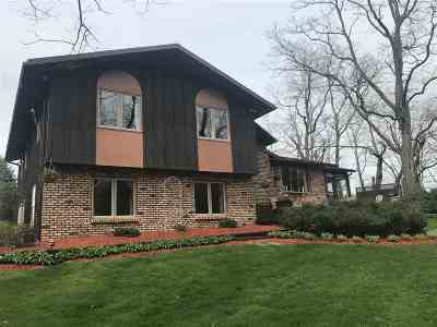 Sauk County Single Family Home For Sale: E11177 Pine Acres Dr