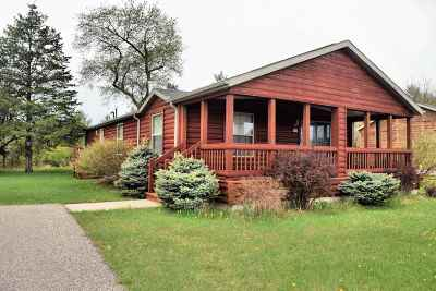Wisconsin Dells Single Family Home For Sale: 273 Oakbrook Dr