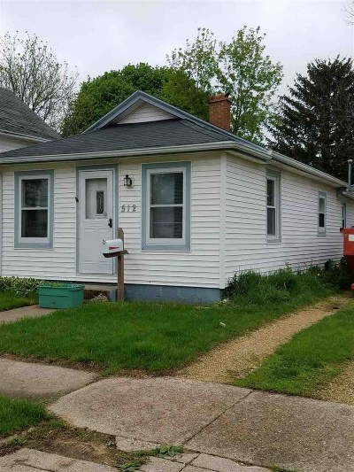 Janesville Single Family Home For Sale: 512 N Chatham St