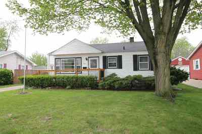 Janesville Single Family Home For Sale: 1209 Manor Dr
