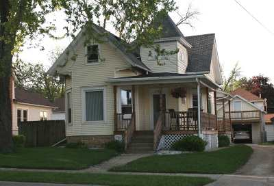 Edgerton Single Family Home For Sale: 608 W Rollin St