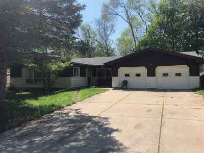 Madison WI Single Family Home For Sale: $215,000