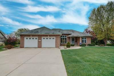 Edgerton Single Family Home For Sale: 482 Fairway Cir