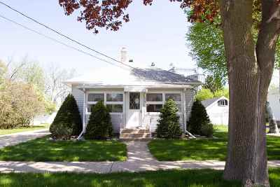 Dodge County Single Family Home For Sale: 315 Center St