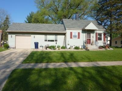 Janesville Single Family Home For Sale: 1830 S Osborne Ave