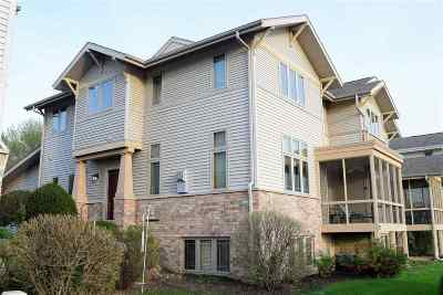 Fitchburg Condo/Townhouse For Sale: 57 Wood Brook Way
