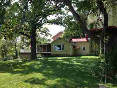 Edgerton WI Single Family Home For Sale: $249,900