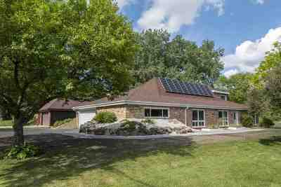 Waunakee Single Family Home For Sale: 5574 Woodland Dr