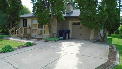 Janesville Single Family Home For Sale: 1429 N Concord Dr