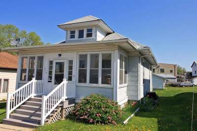 Dodge County Single Family Home For Sale: 416 Mill St