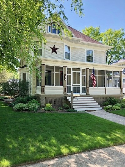 Janesville Single Family Home For Sale: 126 Jefferson Ave