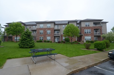 Madison Condo/Townhouse For Sale: 121 Metro Terr #209