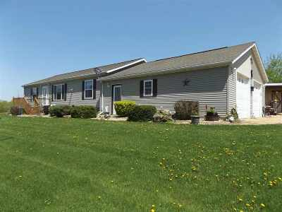 Iowa County Single Family Home For Sale: 6400 Aide Rd