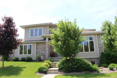 Waunakee Single Family Home For Sale: 629 N Meadowbrook Ln