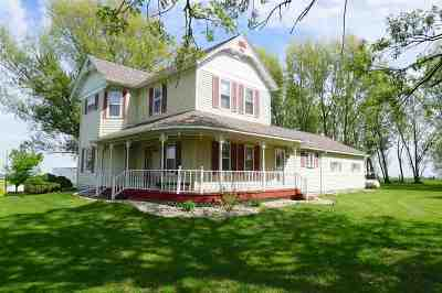 Iowa County Single Family Home For Sale: 5959 Hwy 18/151