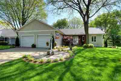 Dane County Single Family Home For Sale: 7857 E Oakbrook Cir