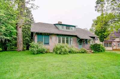 Sun Prairie WI Single Family Home For Sale: $220,000