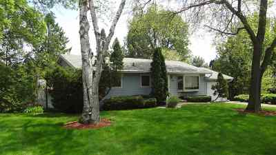 Sauk County Single Family Home For Sale: 104 Litchfield Ln