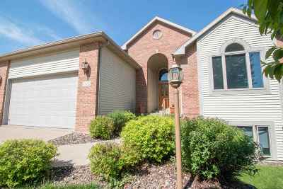 Sun Prairie Single Family Home For Sale: 1370 Pinnacle Cir