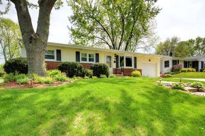 Madison WI Single Family Home For Sale: $205,900