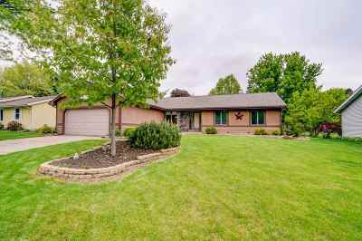 Rock County Single Family Home For Sale: 1534 Royal Oaks Dr