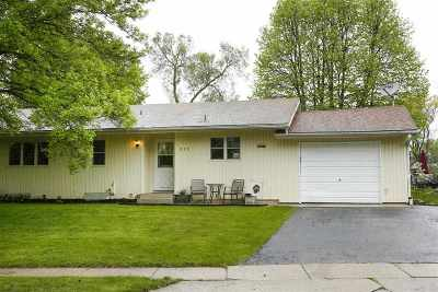 Dane County Single Family Home For Sale: 920 Juniper St