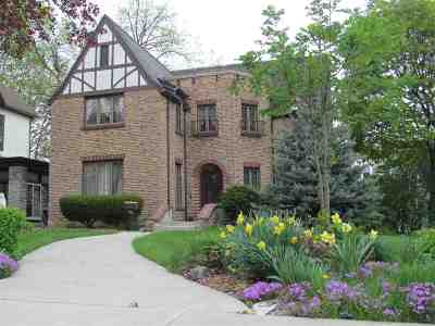 Dodge County Single Family Home For Sale: 405 N Center Street