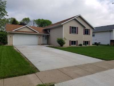 Sun Prairie Single Family Home For Sale: 1551 Kuhle Dr