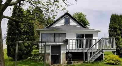Dodge County Single Family Home For Sale: W10519 Blackhawk Tr