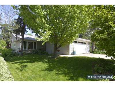 Dane County Single Family Home For Sale: 4606 Shore Acres Rd