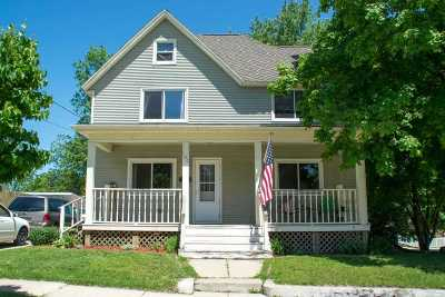 Stoughton Single Family Home For Sale: 100 W Broadway St