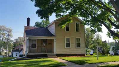 Single Family Home For Sale: 517 W Carroll St