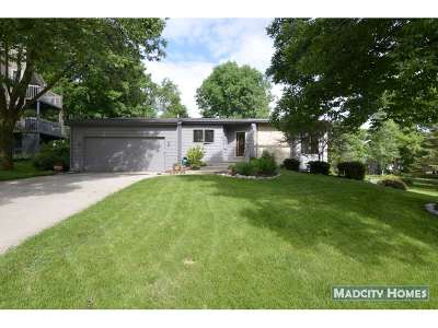 Verona Single Family Home For Sale: 717 Tamarack Way