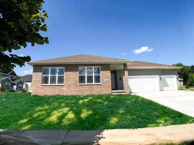 Deforest Single Family Home For Sale: 4646 Whitebud Terr