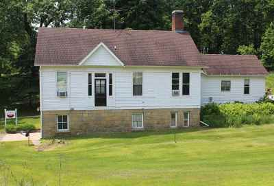 Iowa County Single Family Home For Sale: 270 Shakerag St