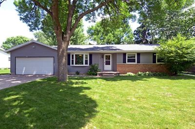 Sun Prairie Single Family Home For Sale: 825 Daniel St