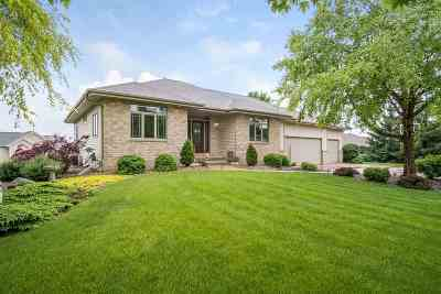 Sun Prairie Single Family Home For Sale: 6680 Cheddar Crest Dr