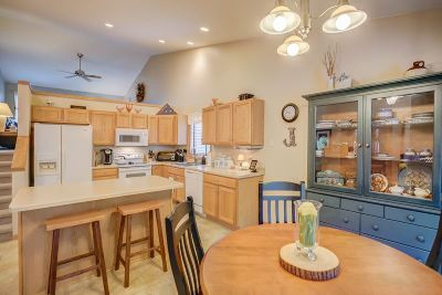 Stoughton Single Family Home For Sale: 801 Valley View Dr