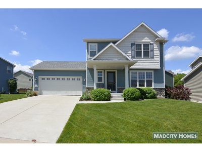 Deerfield Single Family Home For Sale: 316 Heritage Square Dr