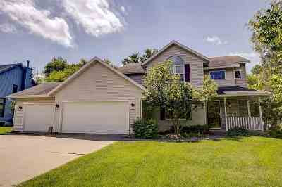Oregon Single Family Home For Sale: 946 Red Tail Ridge