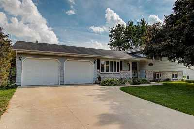 Deforest Single Family Home For Sale: 805 Cumberland Ln