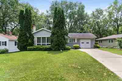 Monona Single Family Home For Sale: 4502 Midmoor Rd