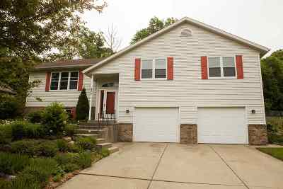 Cottage Grove Single Family Home For Sale: 304 Forreston Dr